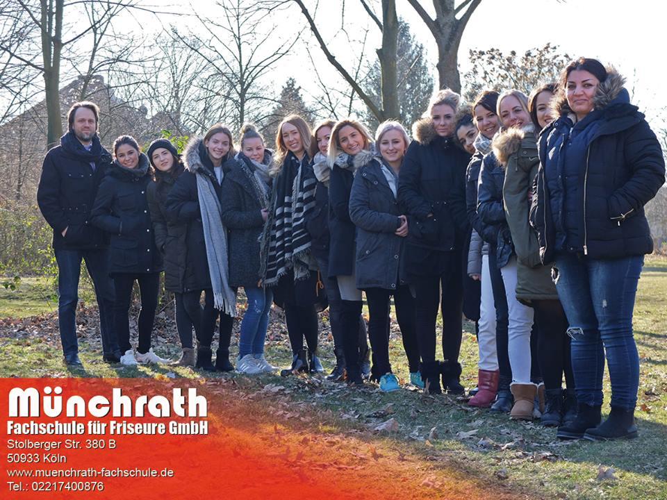 Friseurmeisterin Münchrath Fachschule für Friseure Stolberger Str 380 B 50933 Köln